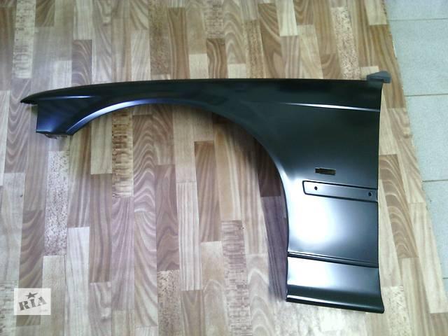 купить бу Крыло переднее на БМВ 3 (BMW E36 (96-00 г.в.) в Самборе