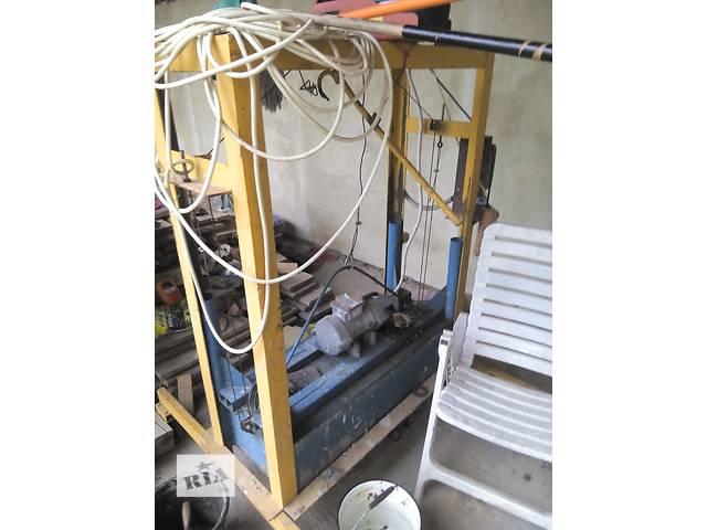 Оборудование Б/у Станок для виготовлення шлакоблоків