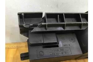Опора радиатора, крепление/кронштейн, уплотнитель радиатора