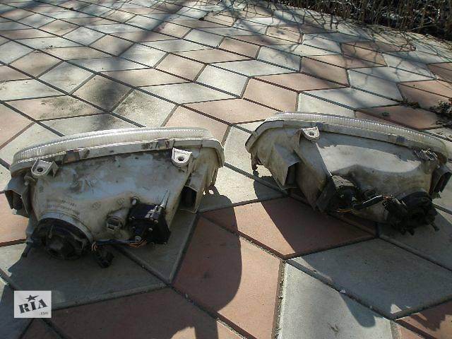 продам Передние фары для Toyota Rav 4 бу в Одессе