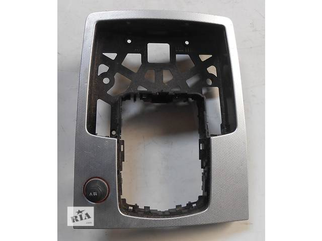 бу Пластиковая панель кулисы Audi Q7 Ауди Кю 7 в Ровно
