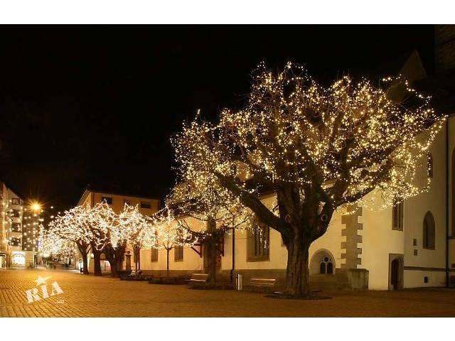 купить бу Подсветка деревьев,праздничное освещение деревьев,новогоднее украшение деревьев,елок,кустов  в Украине