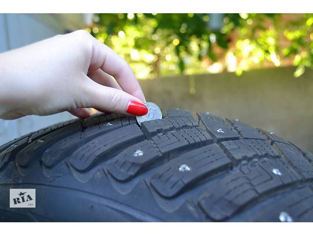 продам Продам GoodYear Ultra Grip Ice Arctic R16 205-60 бу в Киеве
