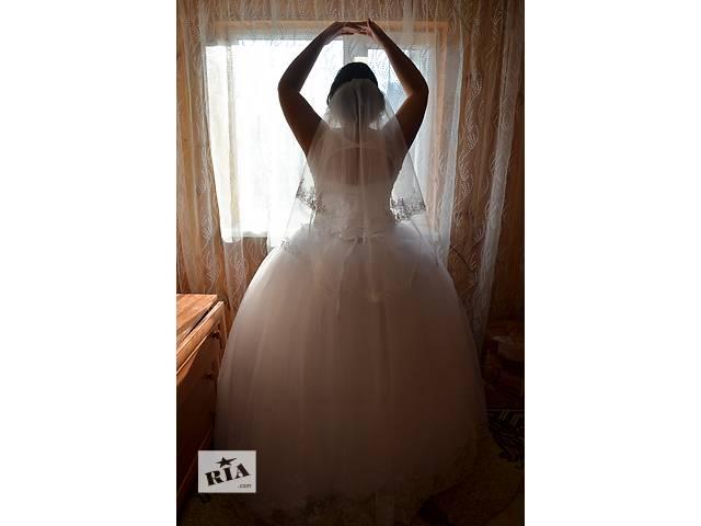 купить бу Продам свадебное платье 48-50р в Ровно