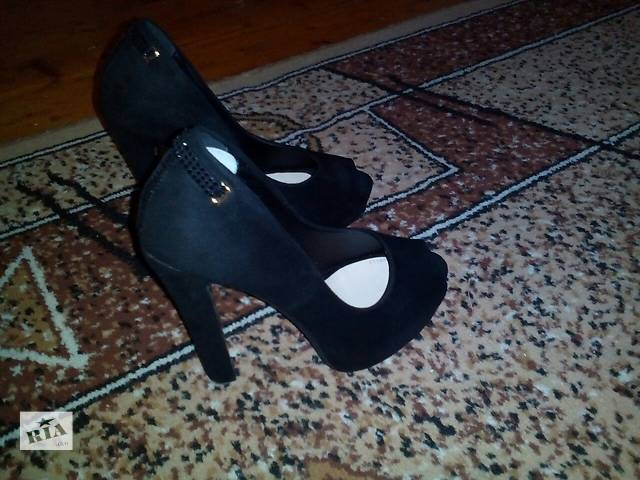 продам продам женские туфли бу в Дрогобыче