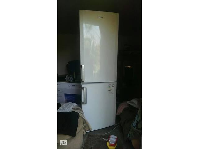 Требуется мастер по ремонту холодильников на дому у клиента.