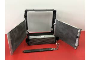 Радиатор BMW X5 E53 E70 F15 основной интеркуллера акпп БМВ Х5 Е53 Е70