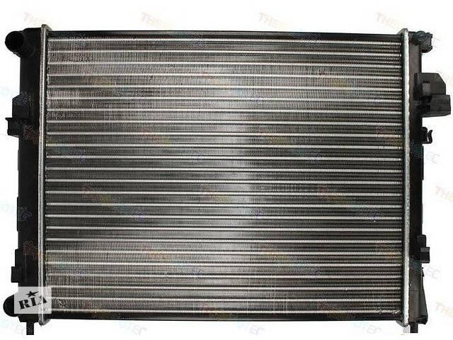 купить бу Радиатор охлаждения Renault Trafic / Opel Vivaro 2.0CDTI 06- в Луцке
