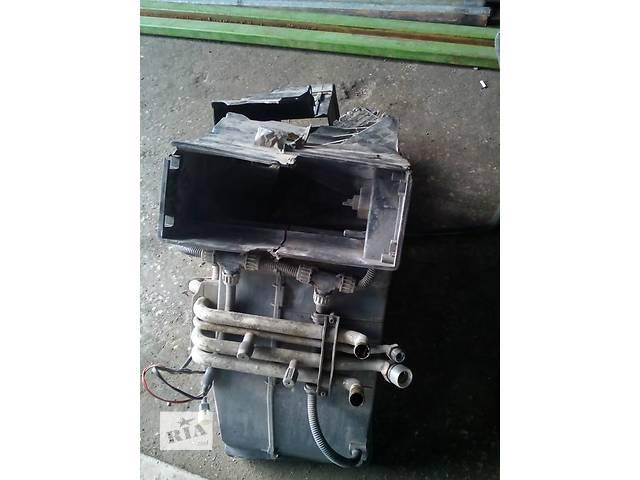купить бу Радиатор печки. Пластиковый корпус побит,но полностью Рабочая печка,радиатор без Крыльчатки.Renault Magnum в Луцке
