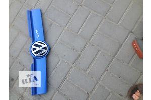 б/у Решётки радиатора Volkswagen Lupo