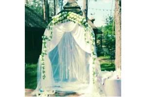 Весільна арка, столик і декор