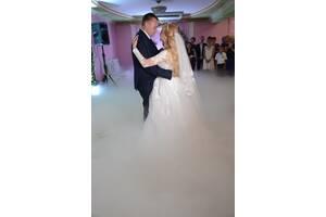 Тяжелый дым на первый танец - равномерно ложится по полу и не подымается выше 1 метра на свадьбе!!!