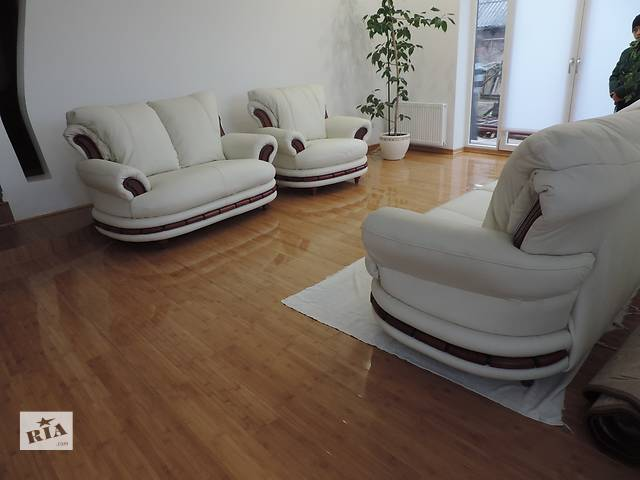 продам кожаный комплект раскладной диван + 2 кресла,кожаная мебель бу в Дрогобыче