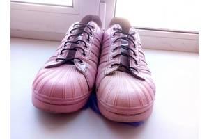 б/в Жіноче взуття Adidas