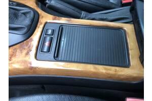Шторка подстаканника BMW X5 E70 Разборка БМВ Х5 Е70