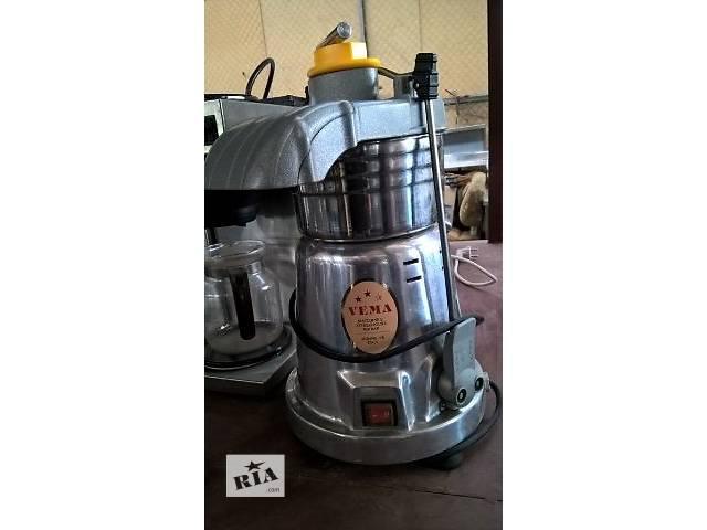 продам Електрична соковижималка Б/У Vema CE 2083 Italia. бу в Києві