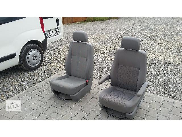 бу  Сиденье для легкового авто Volkswagen T5 (Transporter) в Черновцах
