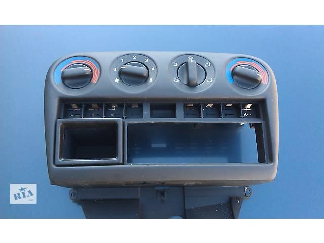 бу  Центральная консоль для легкового авто Opel Omega B в Костополе