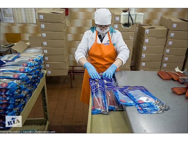 продам Работники на упаковку рыбных продуктов бу  в Украине