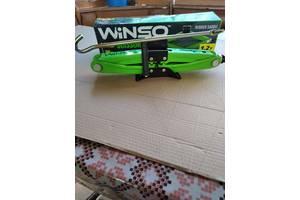 Продам домкрат ромбовидный WINSO 121200 с резиновой подушкой1.2 Т
