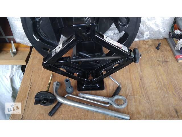 продам Ящик домкрат в запасное колесо Fiat Grande Punto (Фиат Пунто) бу в Харькове