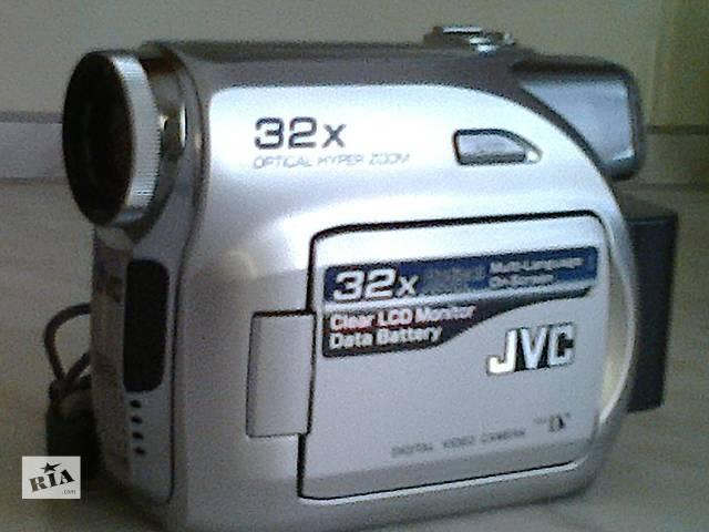 купить бу Видеокамера JVC в Донецке