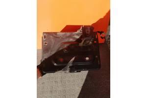 Ящик для аккумулятора Fiat Doblo