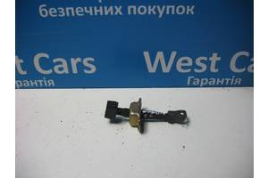 Б/У Ограничитель передней двери Pajero Wagon 1999 - 2006 793103E000. Вперед за покупками!