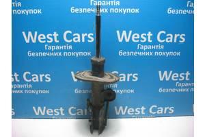 Б/У  Амортизатор передний правый Corolla 4851012b70. Вперед за покупками!