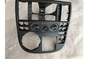 б/у Блоки управления печкой/климатконтролем Volkswagen Multivan