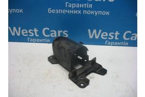 б/в Кронштейни паливних фільтрів Hyundai i30