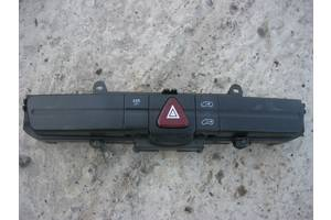 Б/у кнопка аварійки для Volkswagen Crafter