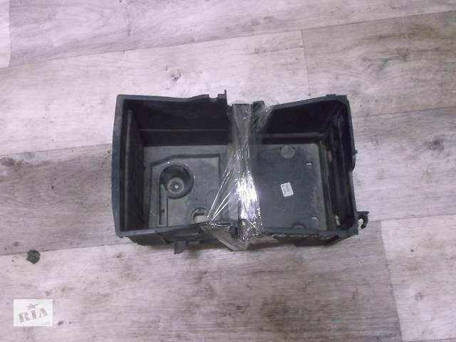 купить бу Б/у корпус под аккумулятор для Ford Focus 4M51-10723BC в Луцке