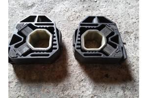б/у Кронштейны крепления радиатора Volkswagen Passat B6