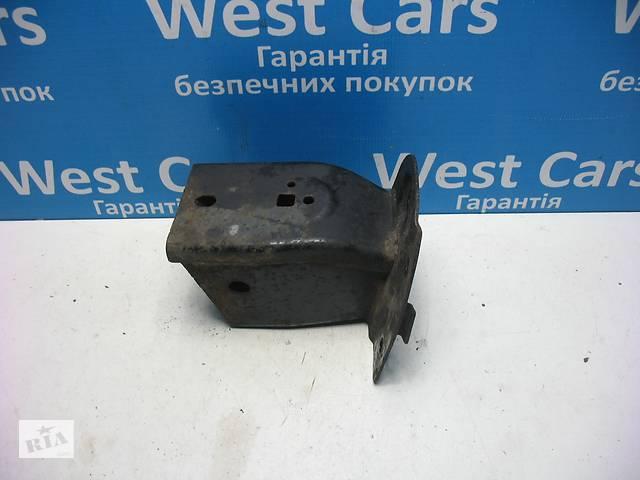 Б/У 2004 - 2009 Discovery Кронштейн кріплення підсилювача переднього бампера правий. Вперед за покупками!- объявление о продаже  в Луцьку