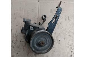 Б/у насос гидроусилителя руля для Renault 21