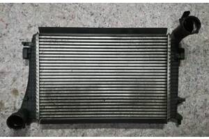 Б/у радиатор интеркулера для Volkswagen Passat B6