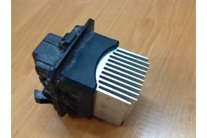 б/у Регуляторы оборотов вентилятора печки Peugeot 308