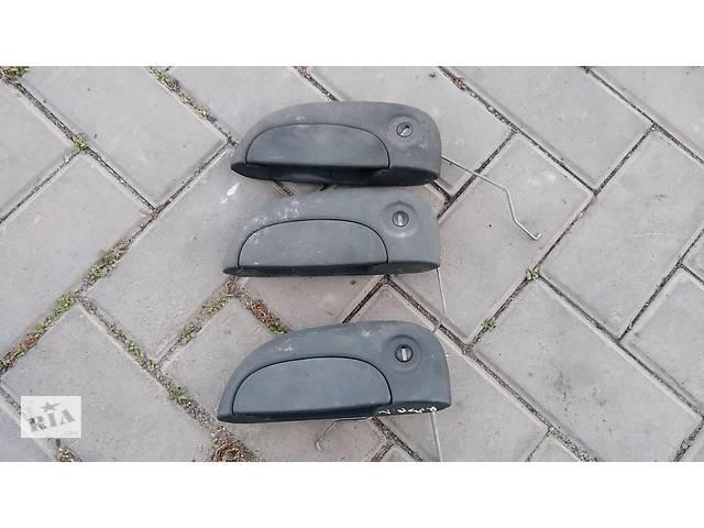 купить бу Б/у ручка водительской двери для Renault Kangoo (1998-2007 г.в.) в Умани