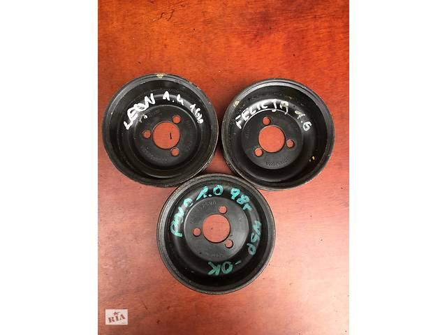 продам Б/у шків насоса гур \ гідропідсилювача 030145269A для Volkswagen Bora 1.4 1.6 i i. бу в Луцьку