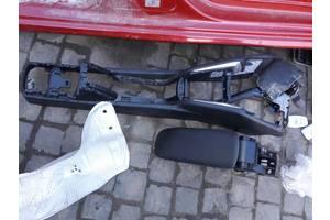 б/у Центральные консоли Peugeot 208