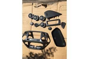 б/у Внутренние компоненты кузова Volkswagen Amarok