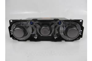Блоки управления печкой/климатконтролем Mitsubishi Grandis