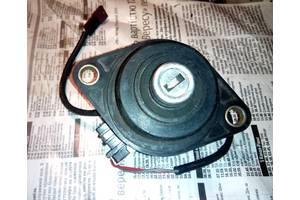 б/в Замки кришки багажника BMW 7 Series