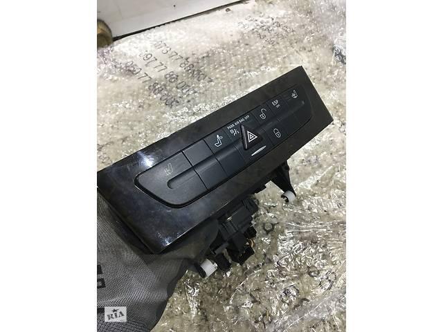купить бу CD Ченджер Mercedes-Benz CLS W219 A2196800552 в Чернигове