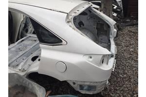 Четверти автомобиля Lexus
