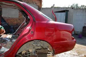 чверті автомобіля Toyota Camry