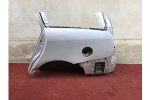 чверті автомобіля Mitsubishi Grandis