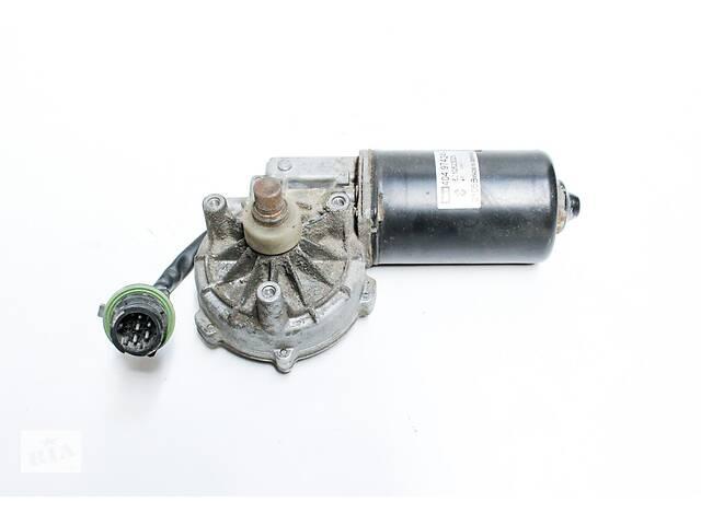 купить бу Двигатель стеклоочистителя Renault 5010623023 в Новоселице