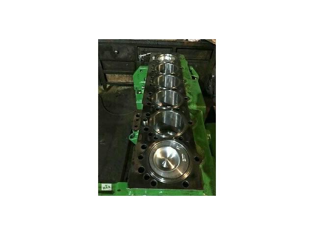 продам Двигатель и коробка передач Джон Дир 81-8400 бу в Львове